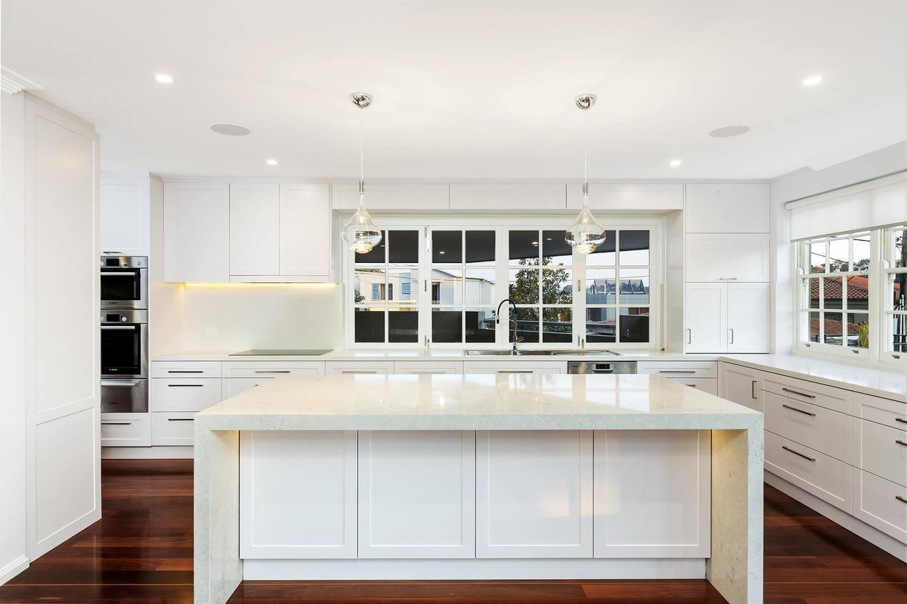 hamptons white kitchen